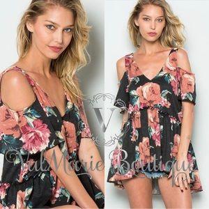 AMAZING quality Floral cold shoulder top